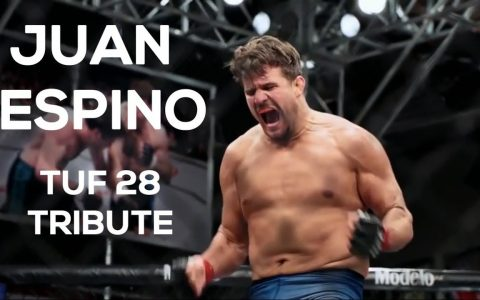 Juan Espino habla en el ring. Atención: KARMA