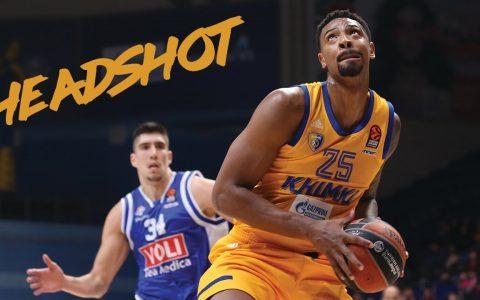 Van a tener que crear nuevos registros en la estadística del Basket para Jordan Mickey porque en este vídeo encesta... DE CABEZA
