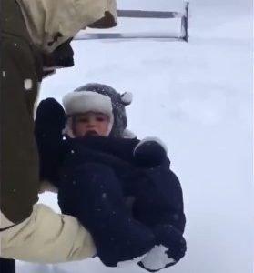 Qué bonito es ver el nacimiento de un niño canadiense