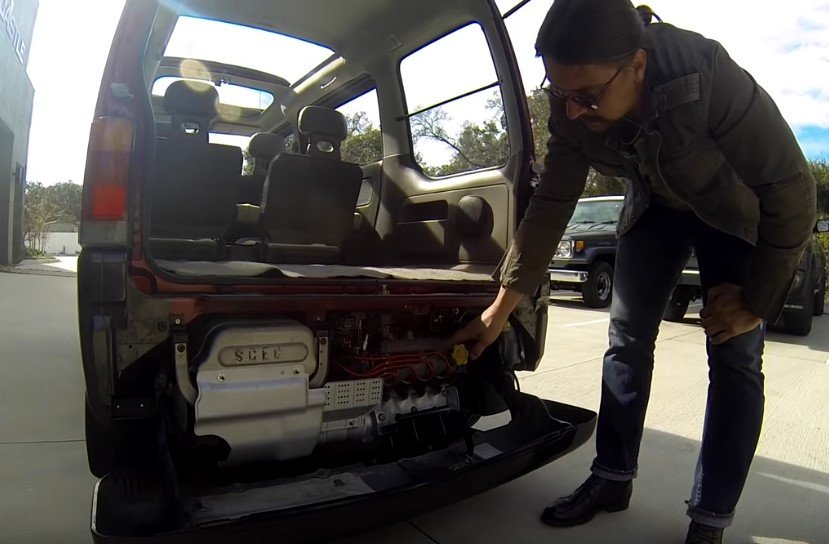 Doug DeMuro prueba el icónico BMW M5 V10 E60