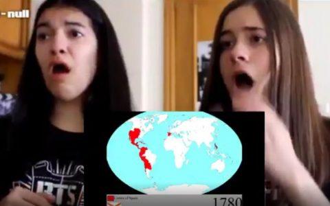 Dos españolas reaccionando a la evolución de su imperio