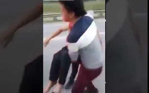 El hombre con la peor suerte del mundo: le rescatan de un camión reventado, le meten en un taxi, y le embisten por detrás