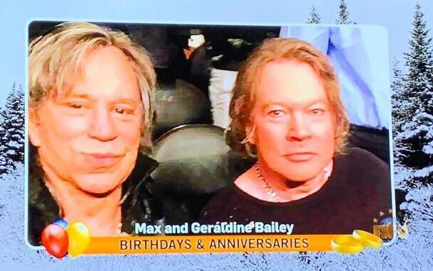 """Un trolaso ha enviado la foto deMickey Rourke y Axl Rose haciéndolos pasar por un matrimonio de ancianos, a la sección de """"cumpleaños y aniversarios"""" de un canal de TV local en EEUU"""