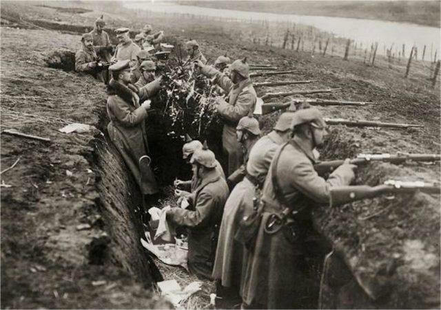 La extraordinaria tregua de Navidad de 1914 (1ª Guerra Mundial)