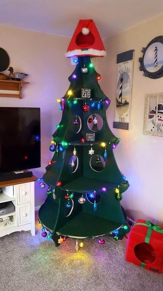 Árbol de Navidad para gatos
