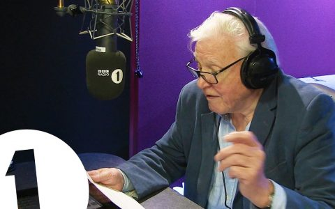 ¿Sabías que David Attenborough narró la canción Hello (Adele) en 2015?