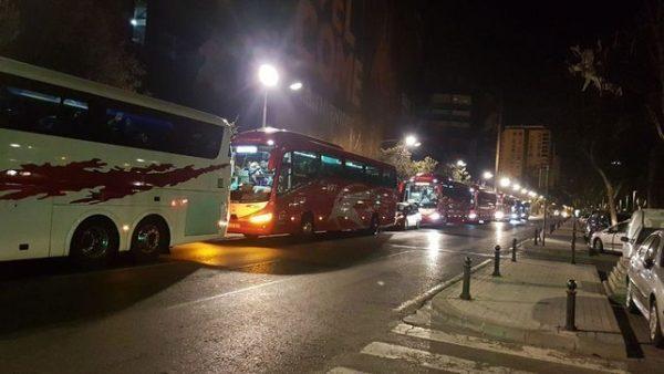 Seguidores del Cádiz aprovecharon los autobuses gratis que fletó el PP para ver el partido contra el Alcorcón