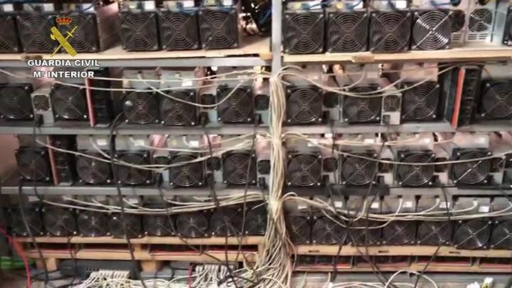 Detenido el dueño de una granja de criptomonedas en Valencia por robar la luz