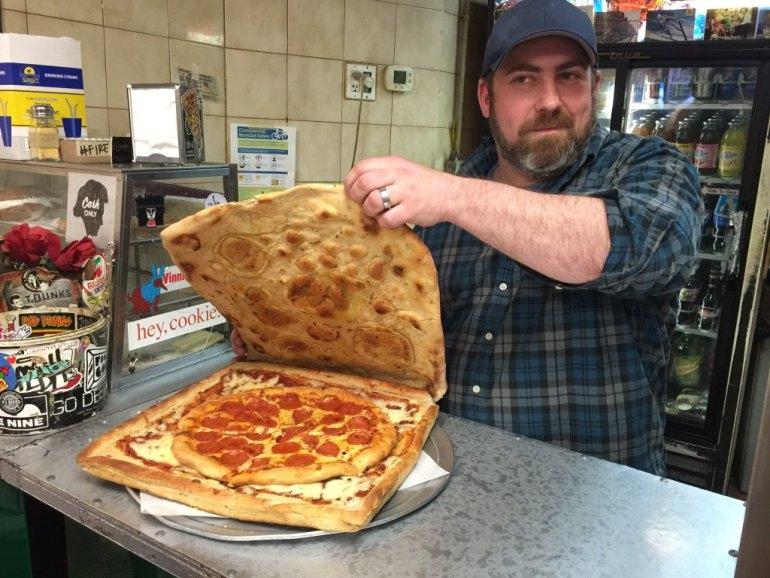 La mejor caja de pizza imaginable