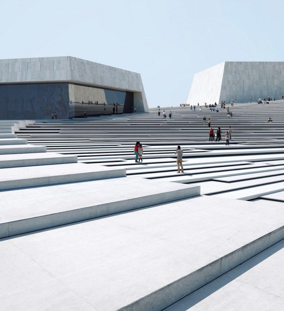 Esta imponente escalera de caracol da acceso al techo de la futura Gran Ópera de Shanghai