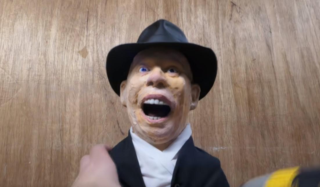 Recreando la escena de la cara derretida en Indiana Jones usando crayons