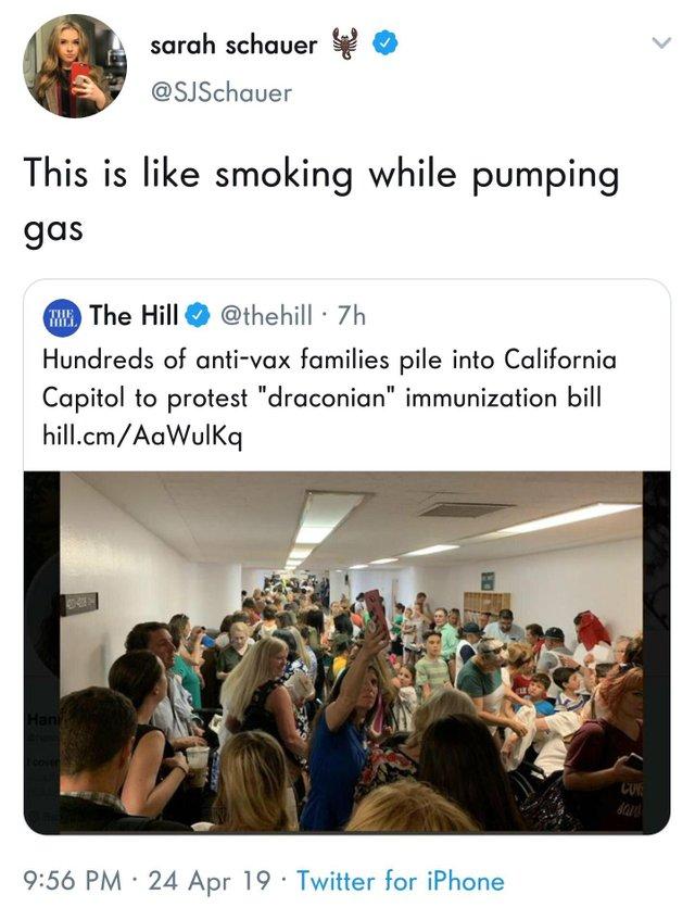 Esto es como fumar mientras echas gasolina