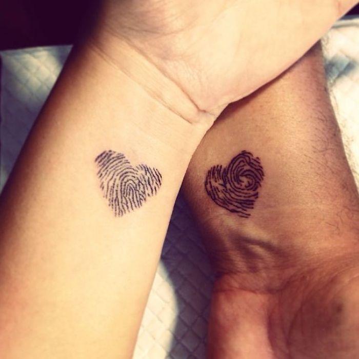 Una de tatuajes en pareja