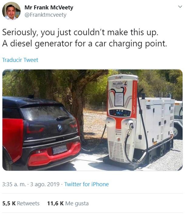 Este cargador de coches eléctricos alimentado por un generador diésel es una interesante alegoría