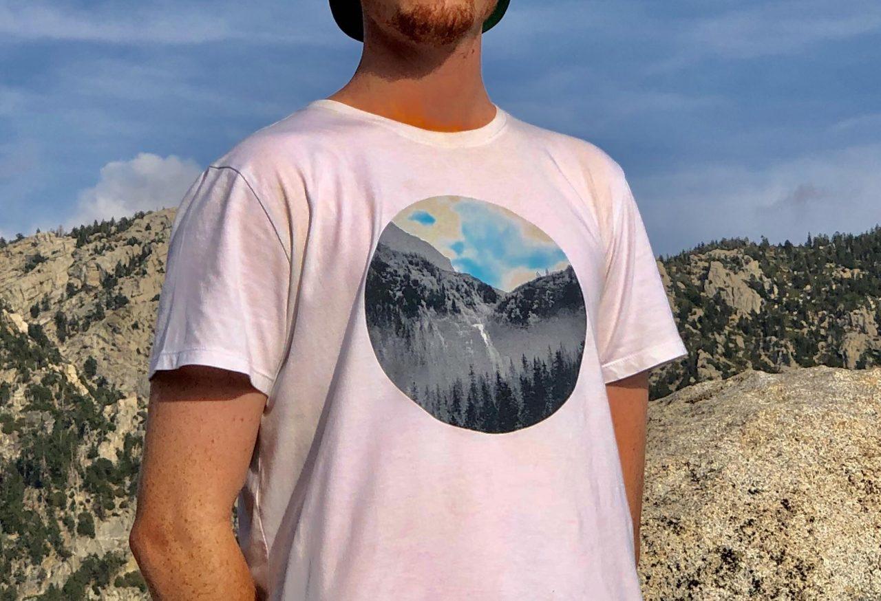 Cuando la gente cree que tu camiseta encaja perfectamente con el fondo pero en realidad tienes un agujero enorme en el pecho
