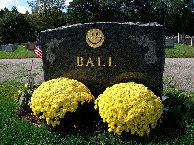 Una de tumbas modernas