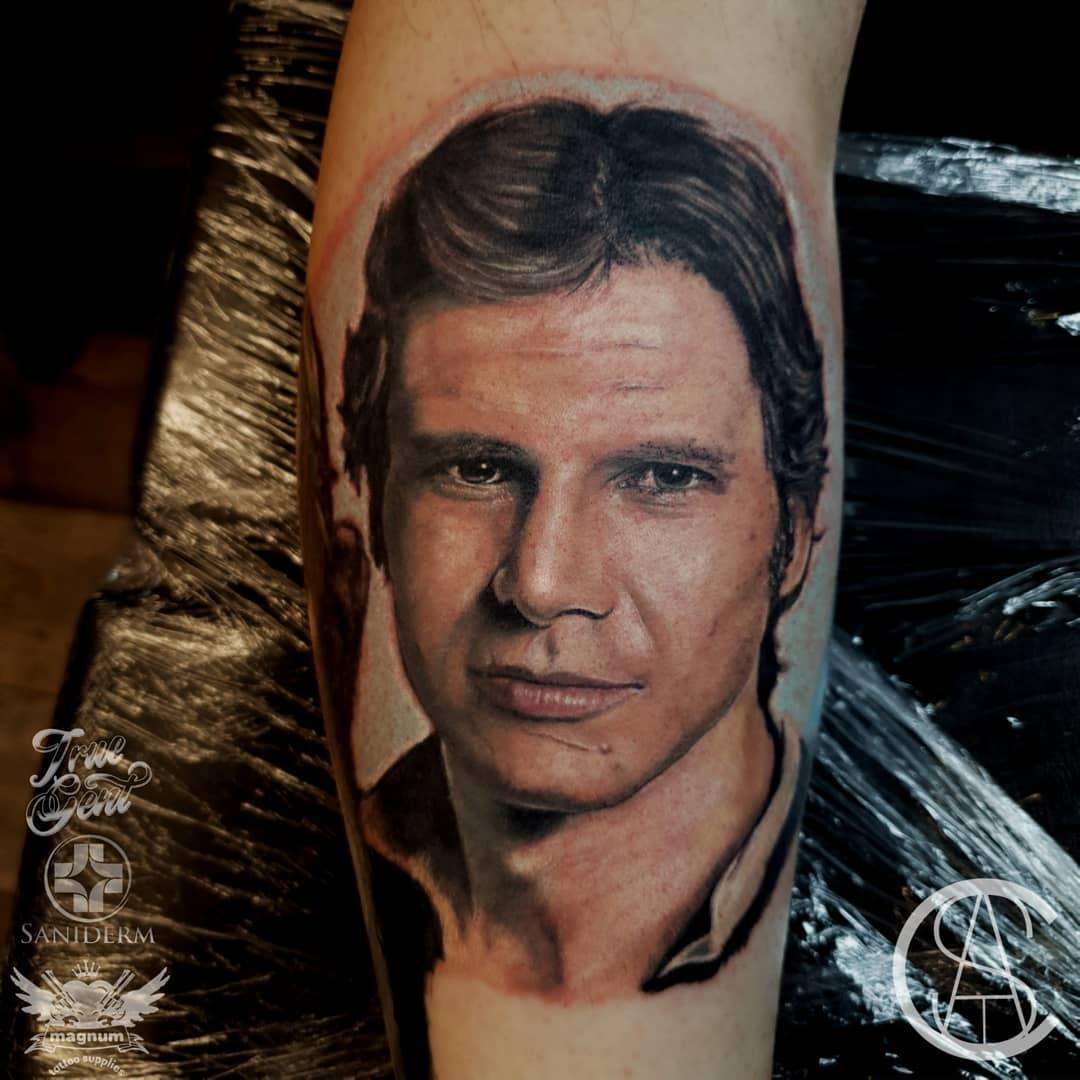 Cuando te quieres tatuar a Harrison Ford y te acaban tatuando a Javier Cárdenas...
