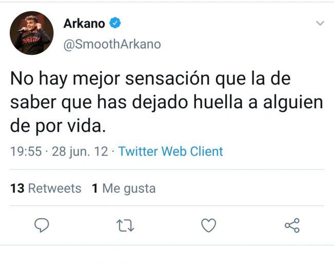 Un vídeo de Arkano mordiendo el cuIo de una chica tumbada en la cama, está corriendo como la pólvora en Tuister ahora mismo