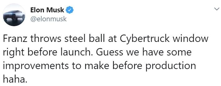 Elon Musk usando la técnica de Pablo Motos en el Hormiguero