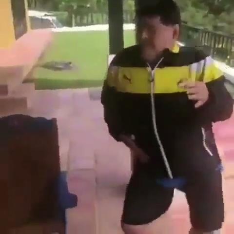 """Maradona no se pierde la entrega de los """"gramis"""" latinos"""
