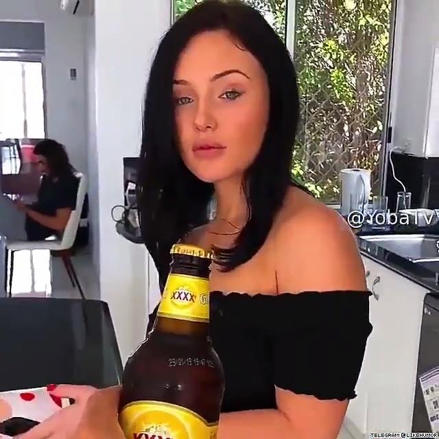 Abriendo una botella de cerveza como dios manda