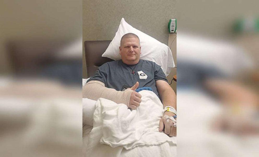 Un policía del estado de Polk graba el momento en el que es arrollado por un tren