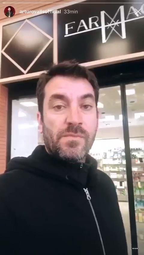 Creo que deberíamos empezar a pensar en deportar a Arturo Valls...