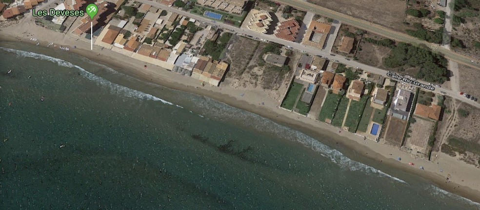 Playa de Les Deveses tras el temporal (Denia)