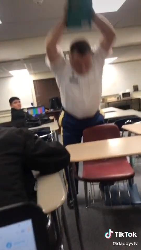 NADIE SE DUERME EN MIS CLASES