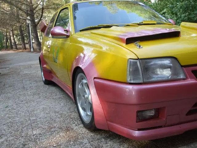 Que alguien compre este Opel Kadett y acabe con su sufrimiento llevándolo a un desguace, por favor...
