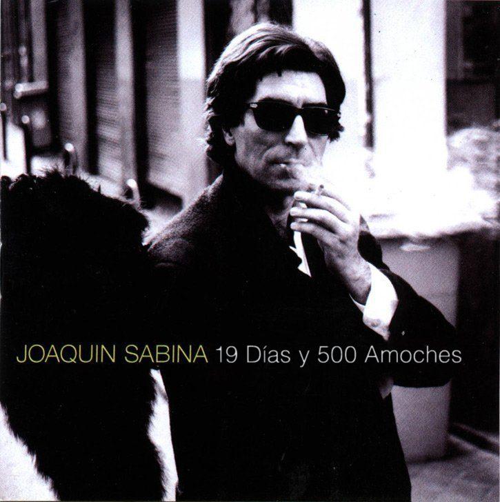 Joaquín Sabina se cae del escenario, otra vez