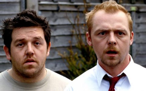 Simon Pegg y Nick Frost recrean una escena de Zombies Party adaptada al coronavirus