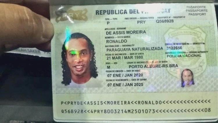Vídeo de Ronaldinho jugando en la cárcel de Paraguay en la que sigue preso por colarse en el país con identificación falsificada