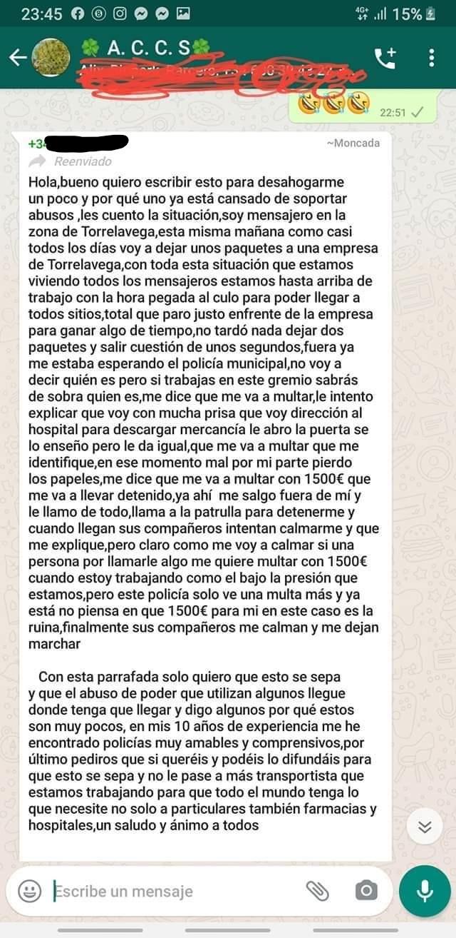 Actualizado: Un transportista es multado con 1500 euros por parar en doble fila, y se enfrenta (verbalmente) al policía que le paró