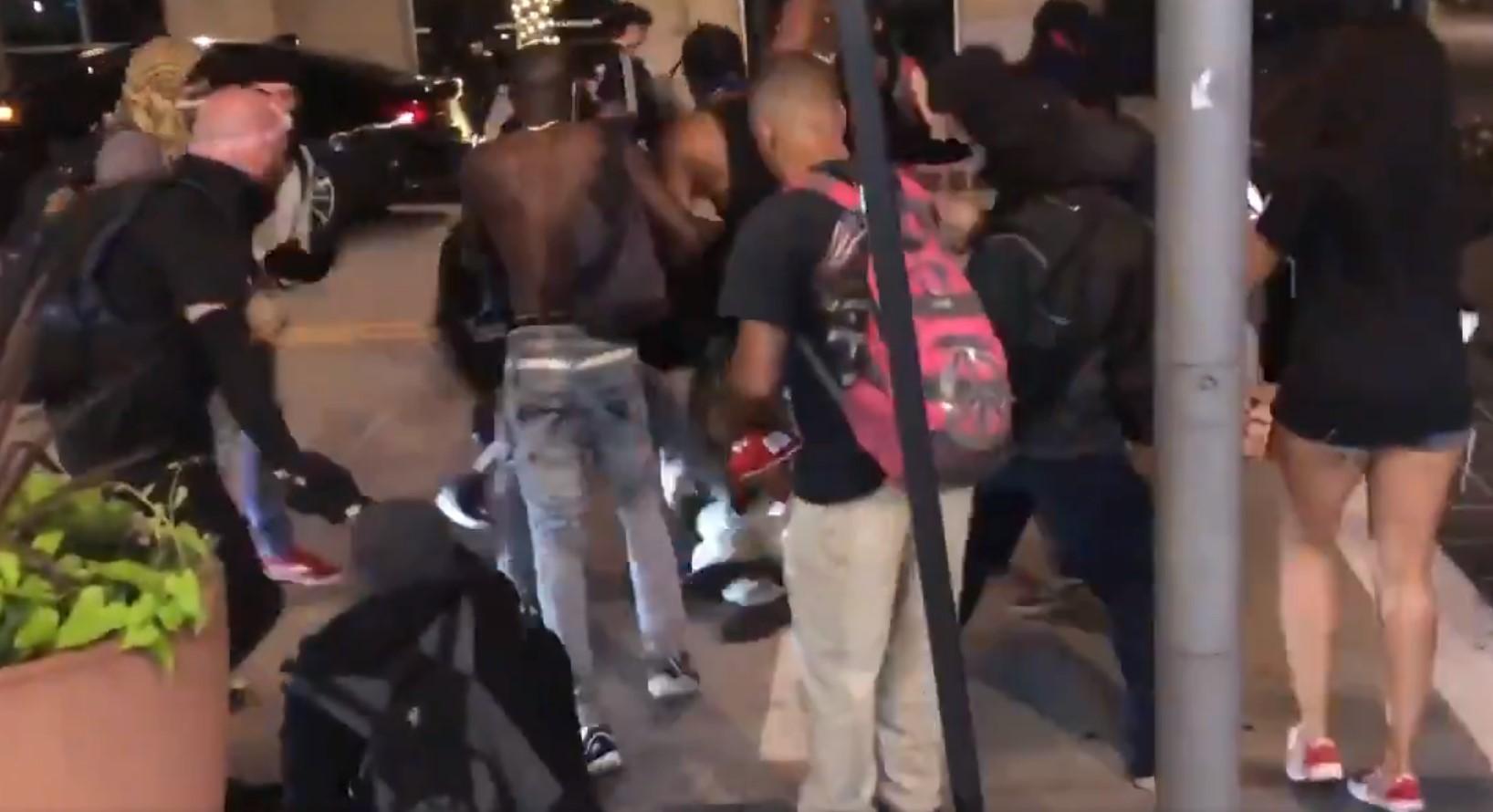 """Un grupo de manifestantes dejó moribundo a un tío que """"protegía el barrio de los saqueos con un cuchillaco enorme en la mano"""""""