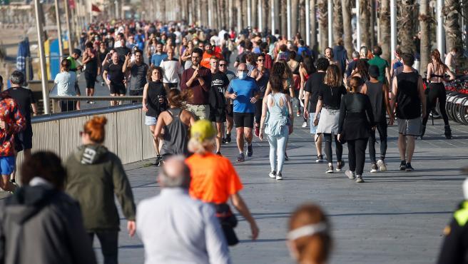 Calles llenas de gente: España se convierte en el país más deportista del mundo