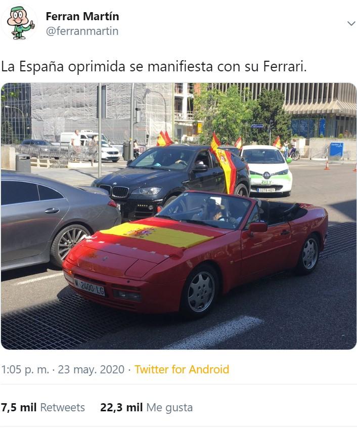 """La España oprimida se manifiesta con su Ferrari"""