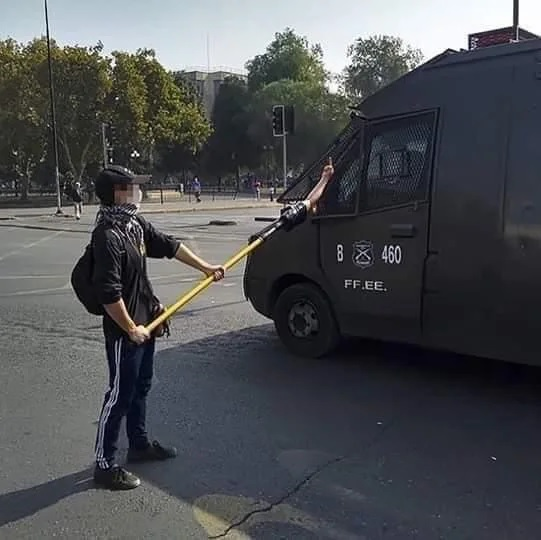 Manifestantes adaptándose a las medidas de distanciamiento