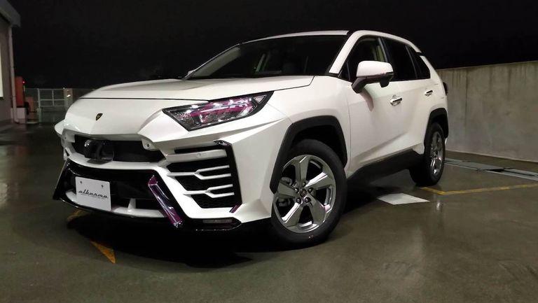 Un preparador japonés convierte tu Toyota Rav 4 en un Lamborghini Urus Hacendado
