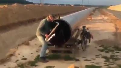 Milhouse tocando el saxofón con su mejor amigo