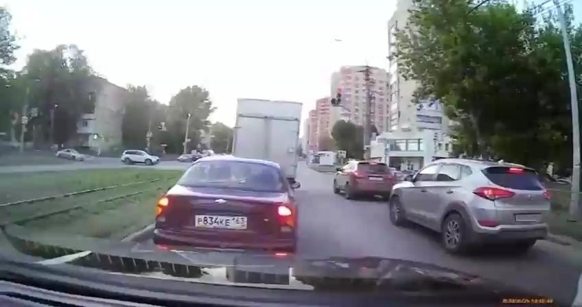 Una rueda corre hacia su coche, pero este hombre no va a dejar que el destino marque la agenda de su vida