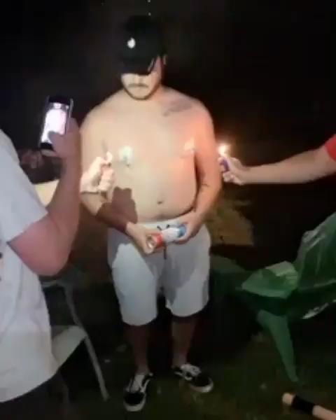 Has estado bebiendo mal la cerveza todo este tiempo...