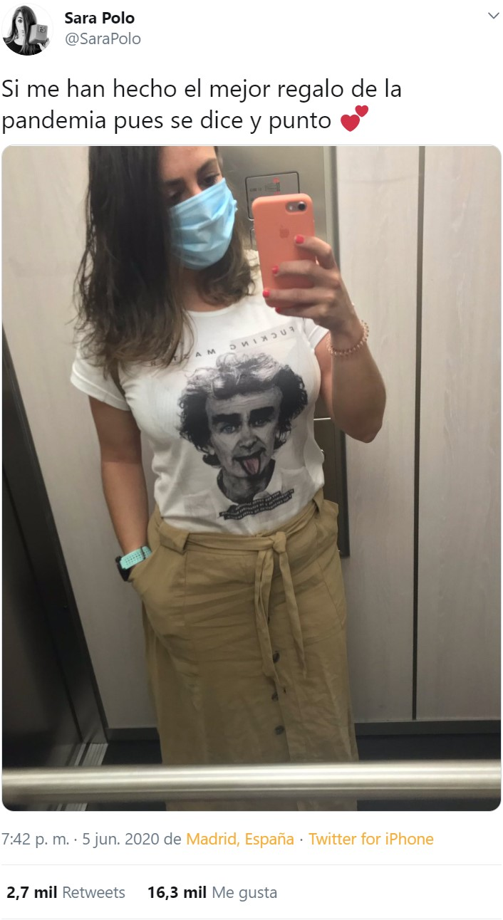 Sí, hay gente vendiendo camisetas con la cara de Fernando Simón