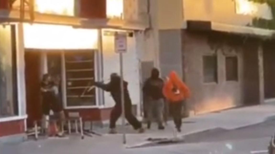 Una pareja que regentaba una tienda es agredida por saqueadores durante los disturbios en Rochester (Nueva York)