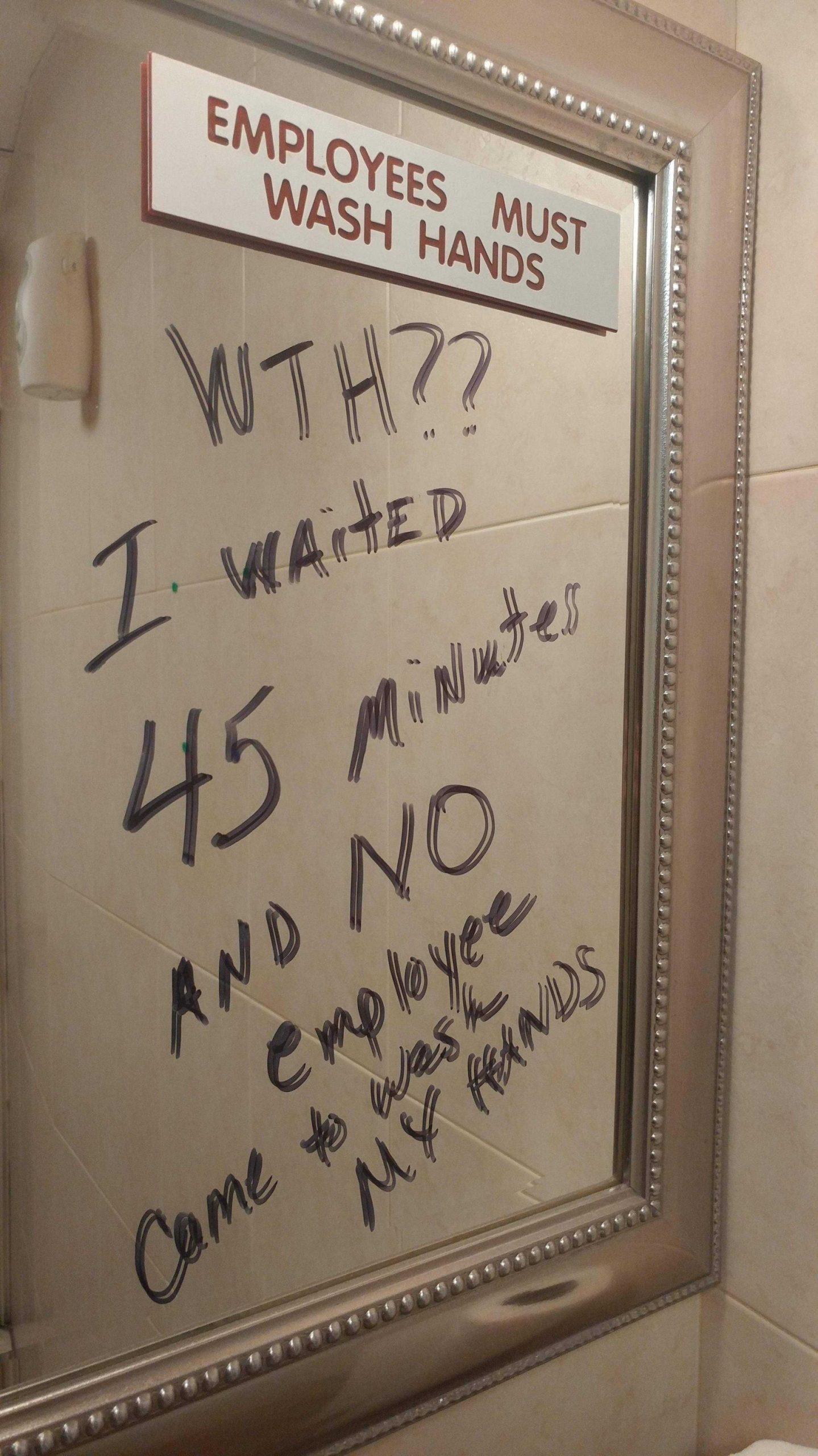 """""""Empleados deben lavar manos"""""""