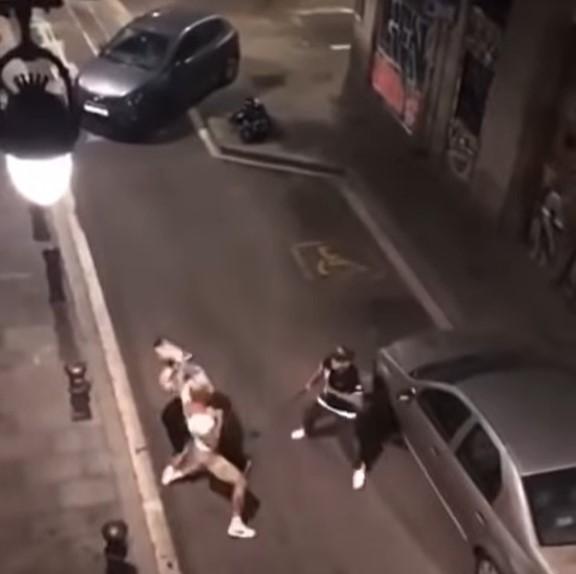 Boxeador profesional contra policías de paisano