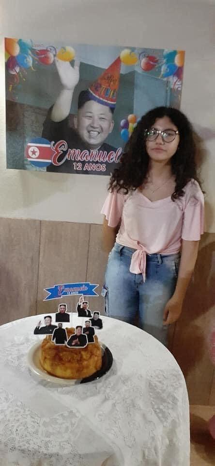 Esta chica brasileña es una gran fan del K-pop y toda la cultura coreana, por lo que su padre sin entender mucho quiso personalizar su fiesta con el personaje coreano más famoso que encontró.