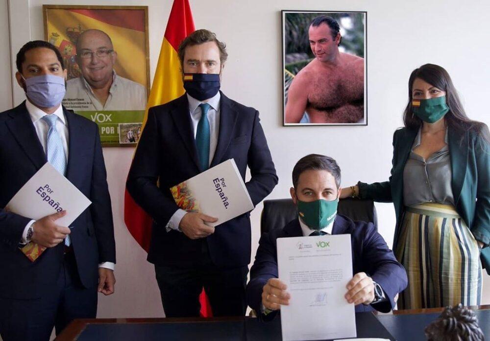 Vox registra la moción de censura contra Pedro Sánchez