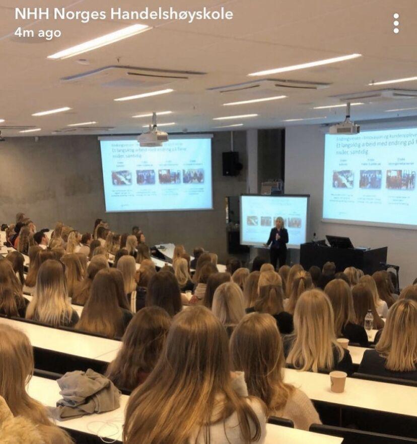 No sé qué se estudia en ese aula de Noruega, pero estoy valorando seriamente matricularme...