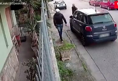 Cómo robar un coche con un destornillador y otro coche
